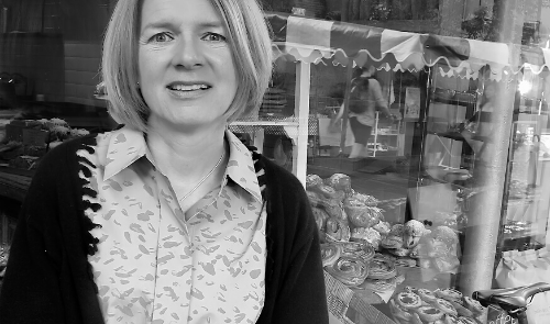 MEET THE DESIGNERS | LOUISE ELLIOTT